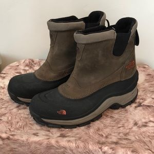 The North Face boots NWOT